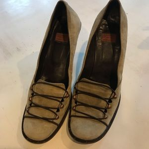 Goffredo Fantini Kitten Heel Suede Shoes